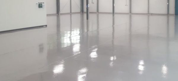 floor with expansion joints